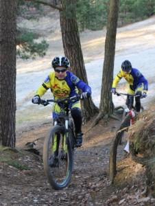 Fabian und Marlon im Wald