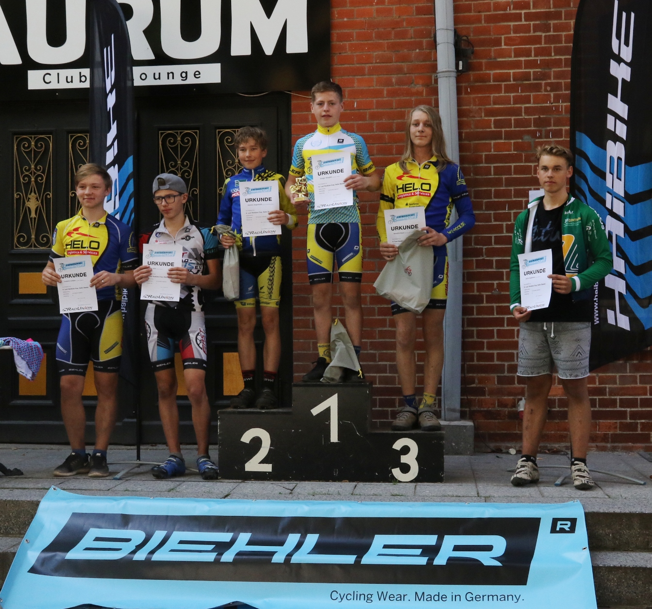 Siegerehrung U15: Gregor auf Eins, Hendrik auf Drei und Freddy auf Sechs