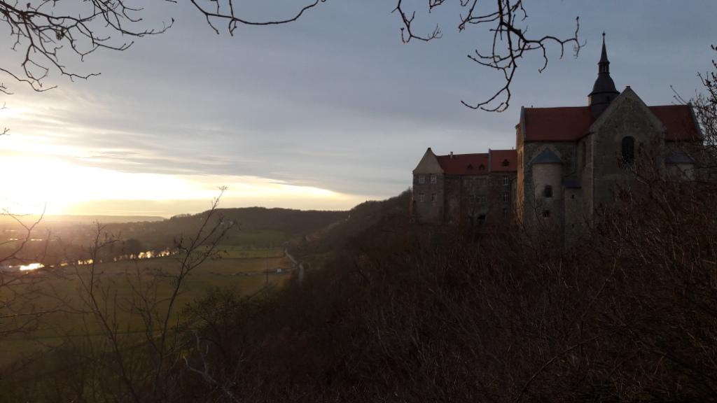 Schloß Goseck mit Sonnenuntergang