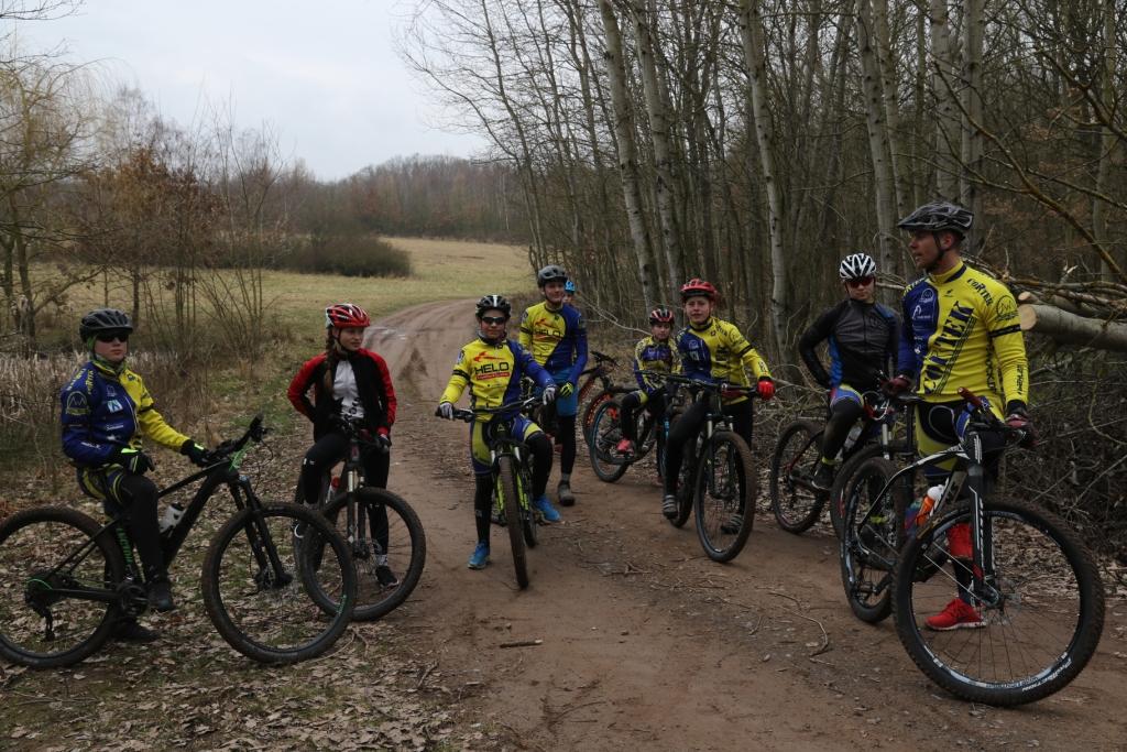 Die Trainingsgruppe unter Anleitung von Florian tschitschmann