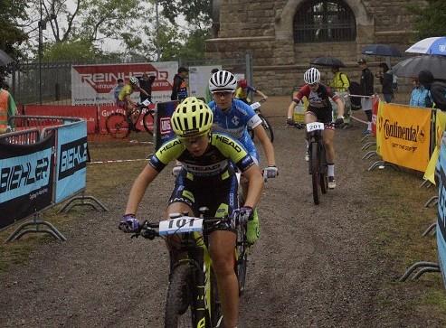 Nina Benz und Felicitas Geiger im Damenrennen